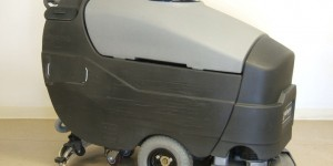 Get super shiny floors with Automatic Floor Scrubber