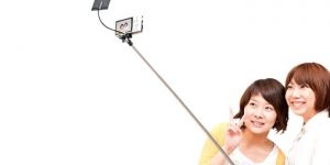 Finding the Best Selfie Stick Suitable to your Needs and Requirements
